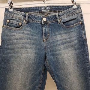 Aeropostale Women's Jeans 8 Short Bootcut